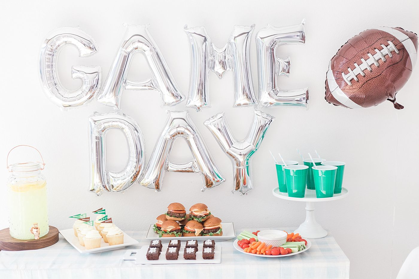Game Day Fun - Best Friends for Frosting and UBER - Ashley Baumgartner - Sacramento Wedding Photography and Sacramento Wedding Photographer - Football Fun_0013.jpg