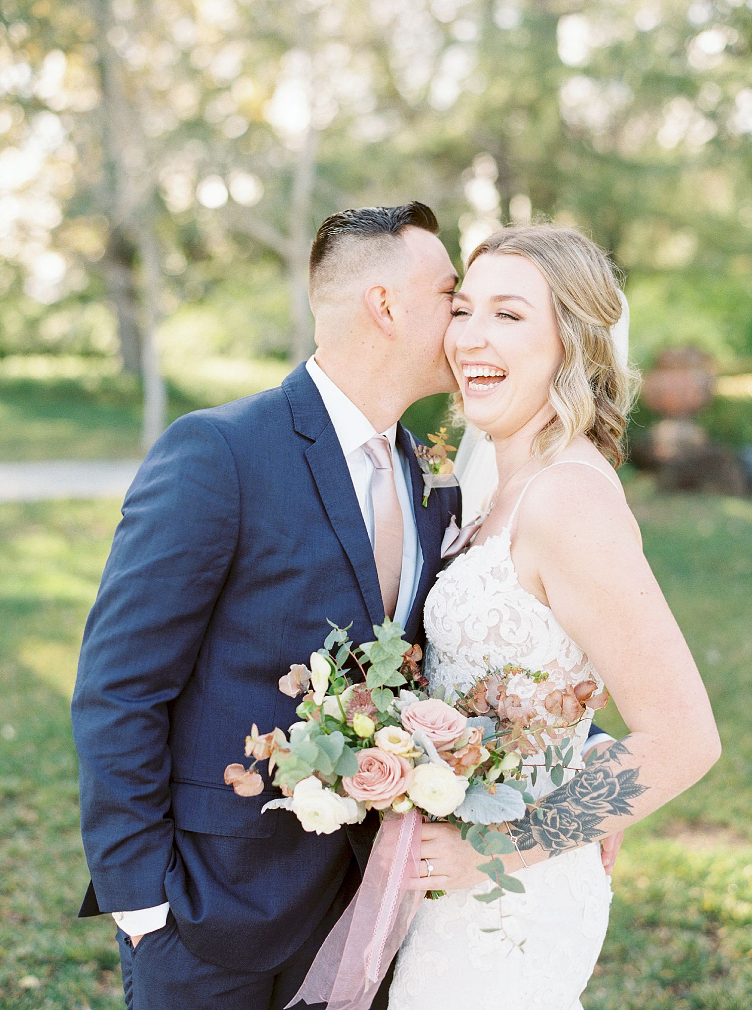 Inn at Park Winters Wedding - Lindsay and Shane - Ashley Baumgartner - Park Winters Wedding Photographer - Sacramento Wedding Photographer_0020.jpg