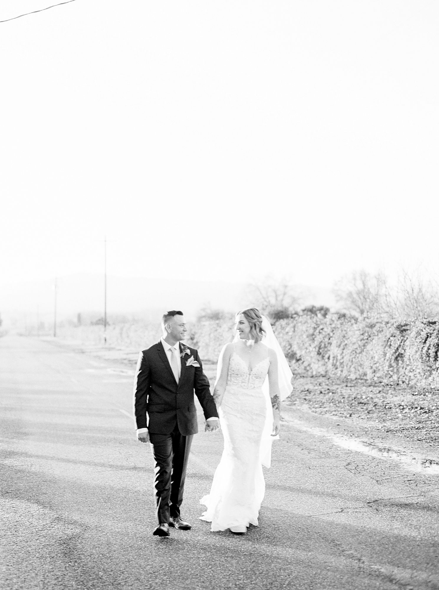 Inn at Park Winters Wedding - Lindsay and Shane - Ashley Baumgartner - Park Winters Wedding Photographer - Sacramento Wedding Photographer_0081.jpg
