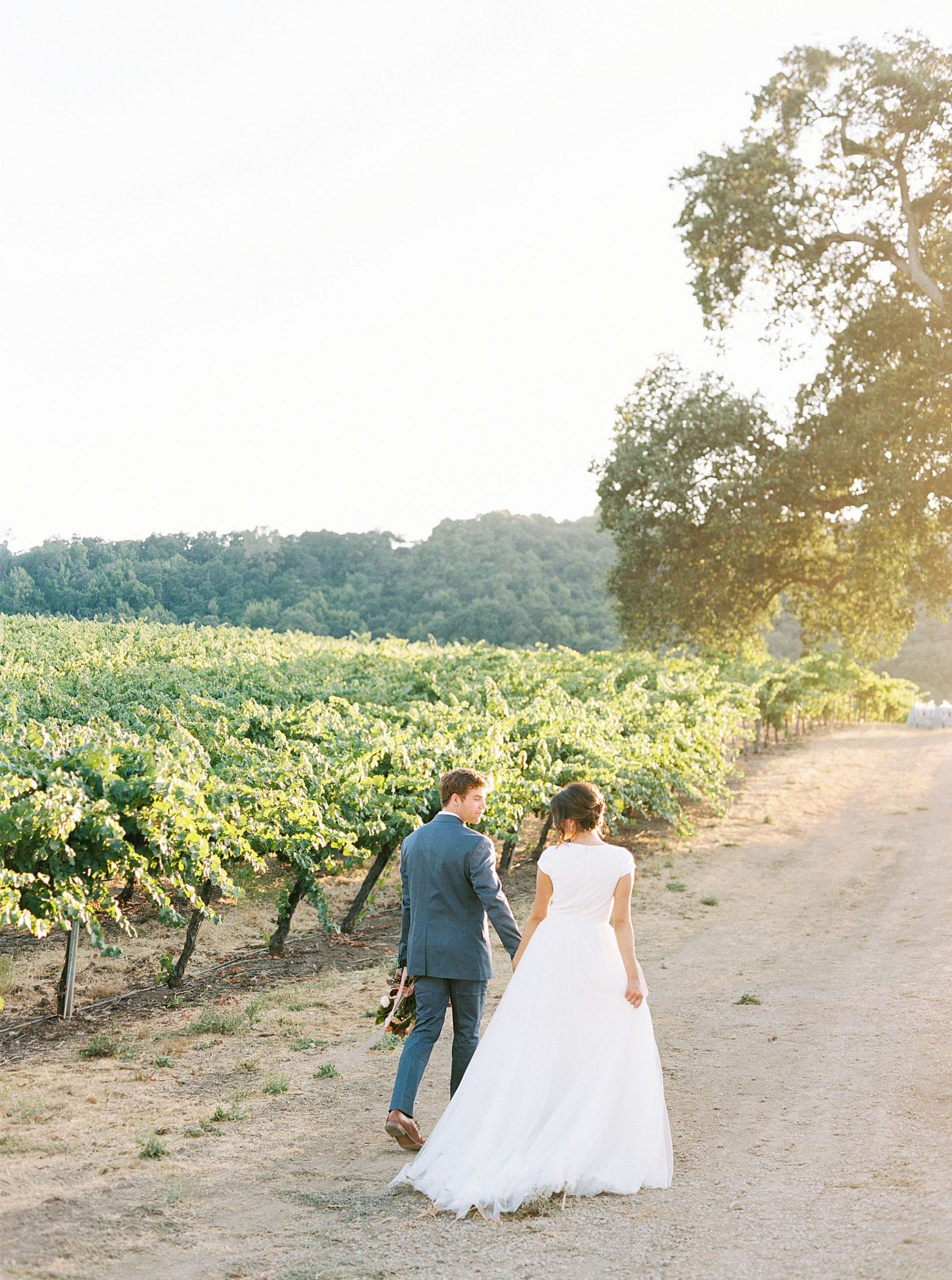 HammerSky Wedding Inspiration Featured on Hey Wedding Lady with Vanessa Noel Events - Ashley Baumgartner - SLO Wedding Photographer_0006.jpg