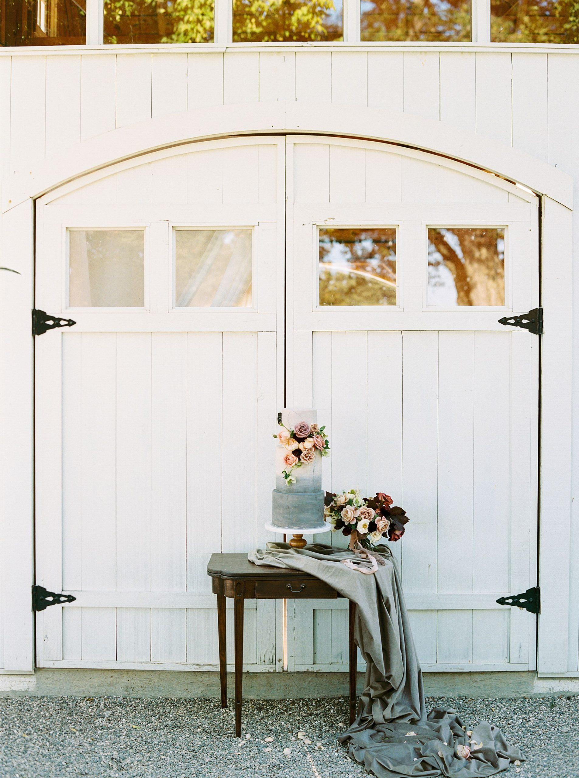 HammerSky Wedding Inspiration Featured on Hey Wedding Lady with Vanessa Noel Events - Ashley Baumgartner - SLO Wedding Photographer_0012.jpg
