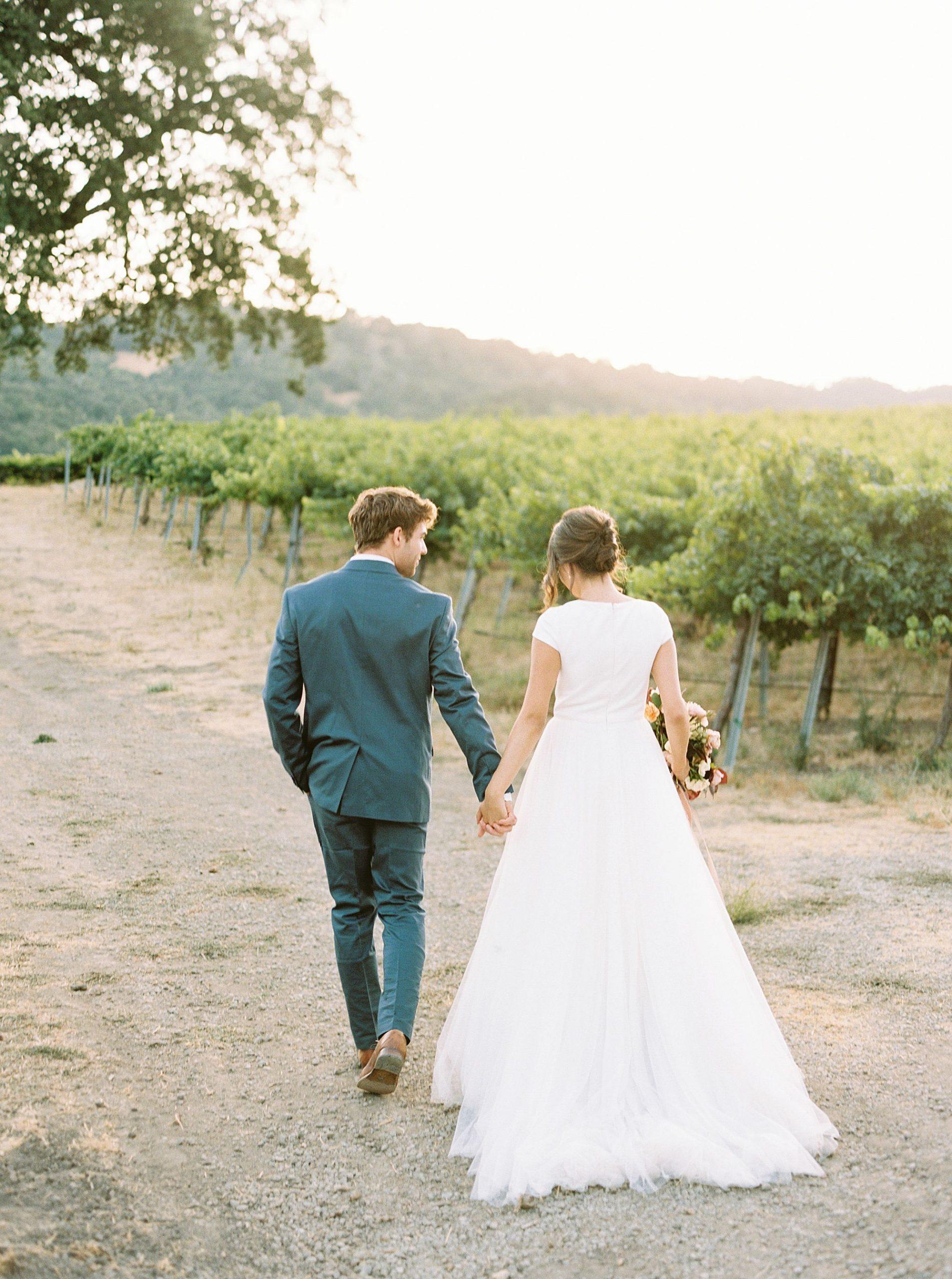 HammerSky Wedding Inspiration Featured on Hey Wedding Lady with Vanessa Noel Events - Ashley Baumgartner - SLO Wedding Photographer_0024.jpg