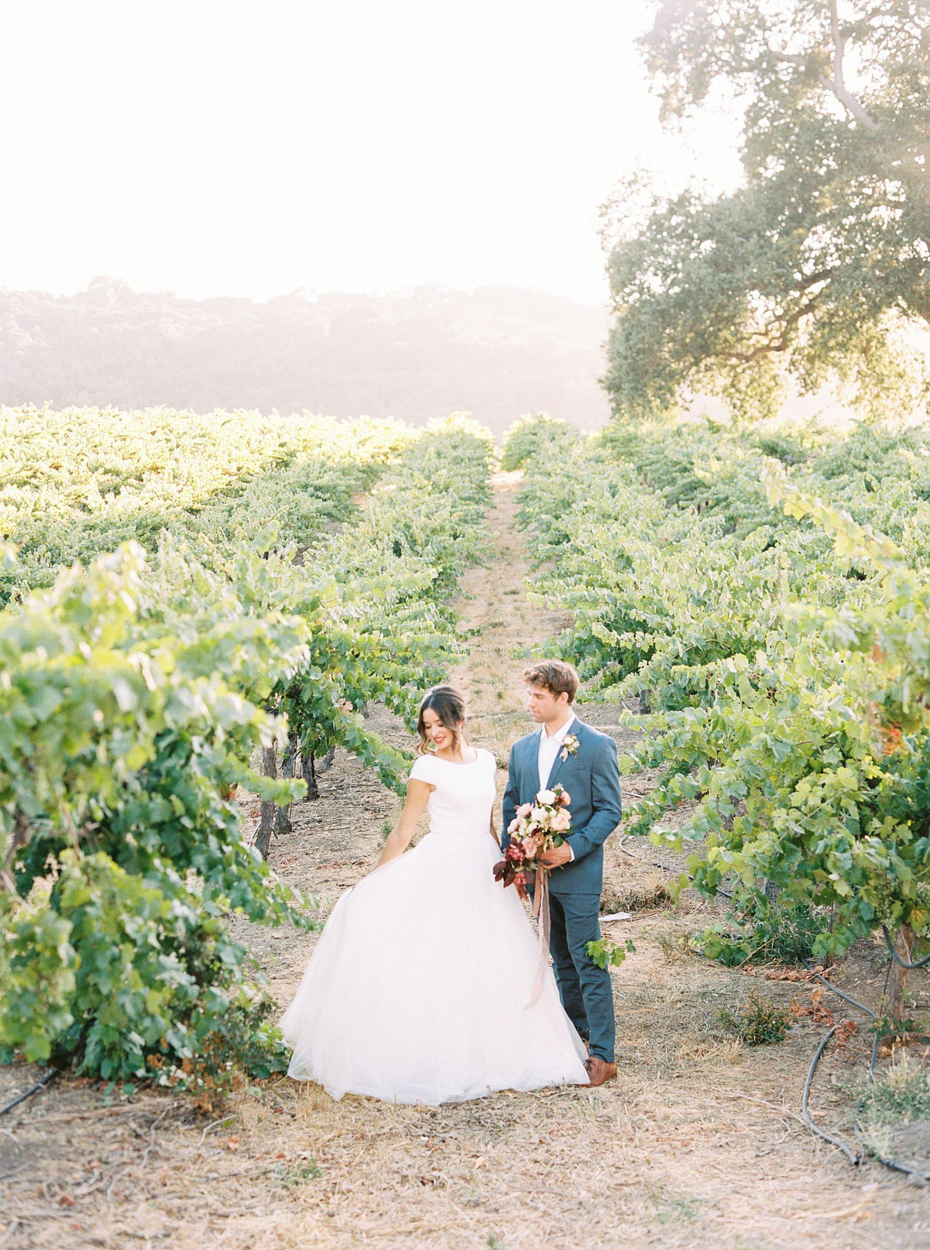 HammerSky Wedding Inspiration Featured on Hey Wedding Lady with Vanessa Noel Events - Ashley Baumgartner - SLO Wedding Photographer_0036.jpg