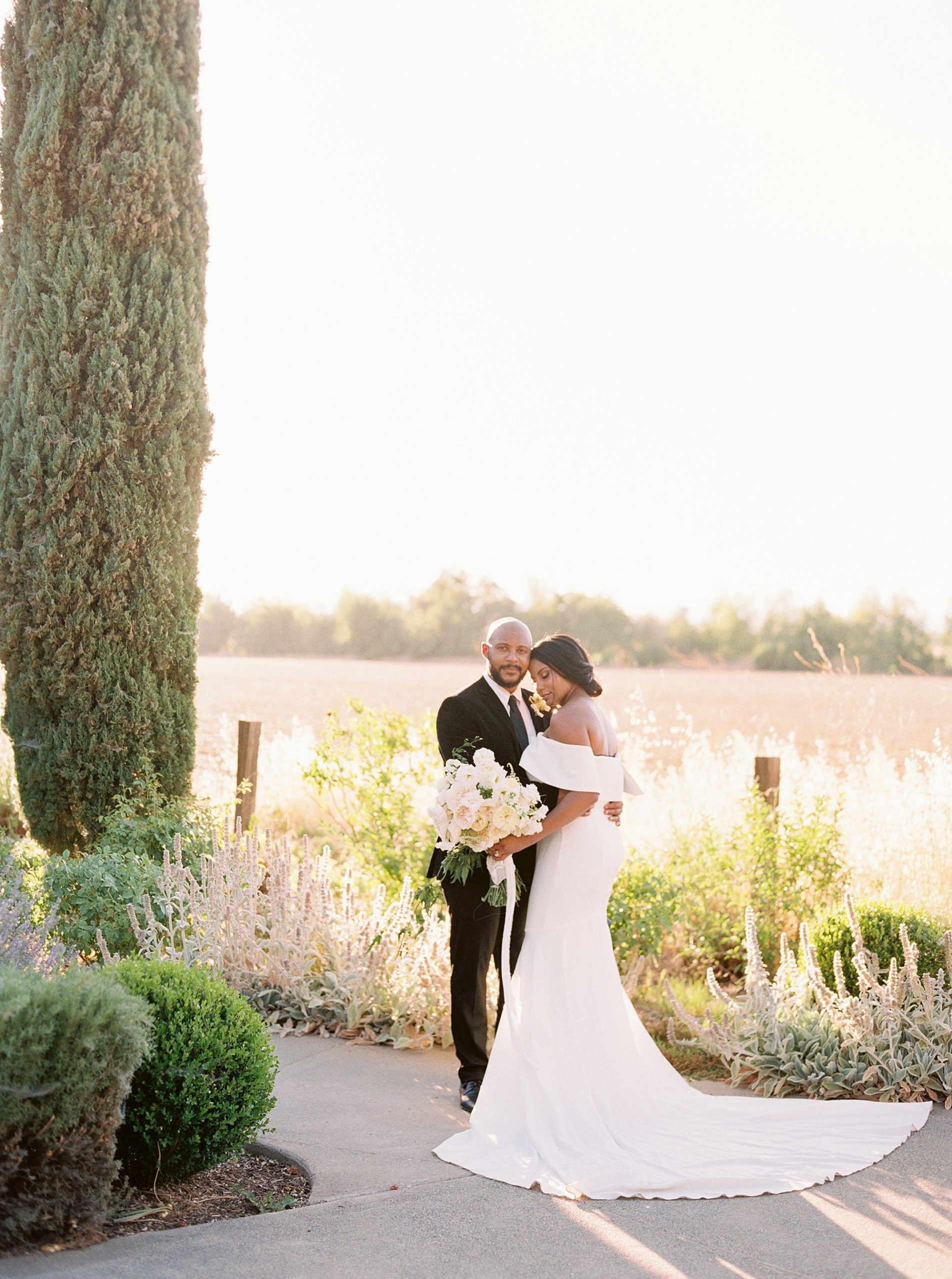 Park Winters Micro-Wedding Inspiration on Style Me Pretty - Stephanie Teague Events - Ashley Baumgartner - Park Winters Wedding - Black Tie Wedding - Micro-Wedding Sacramento Photographer_0008.jpg