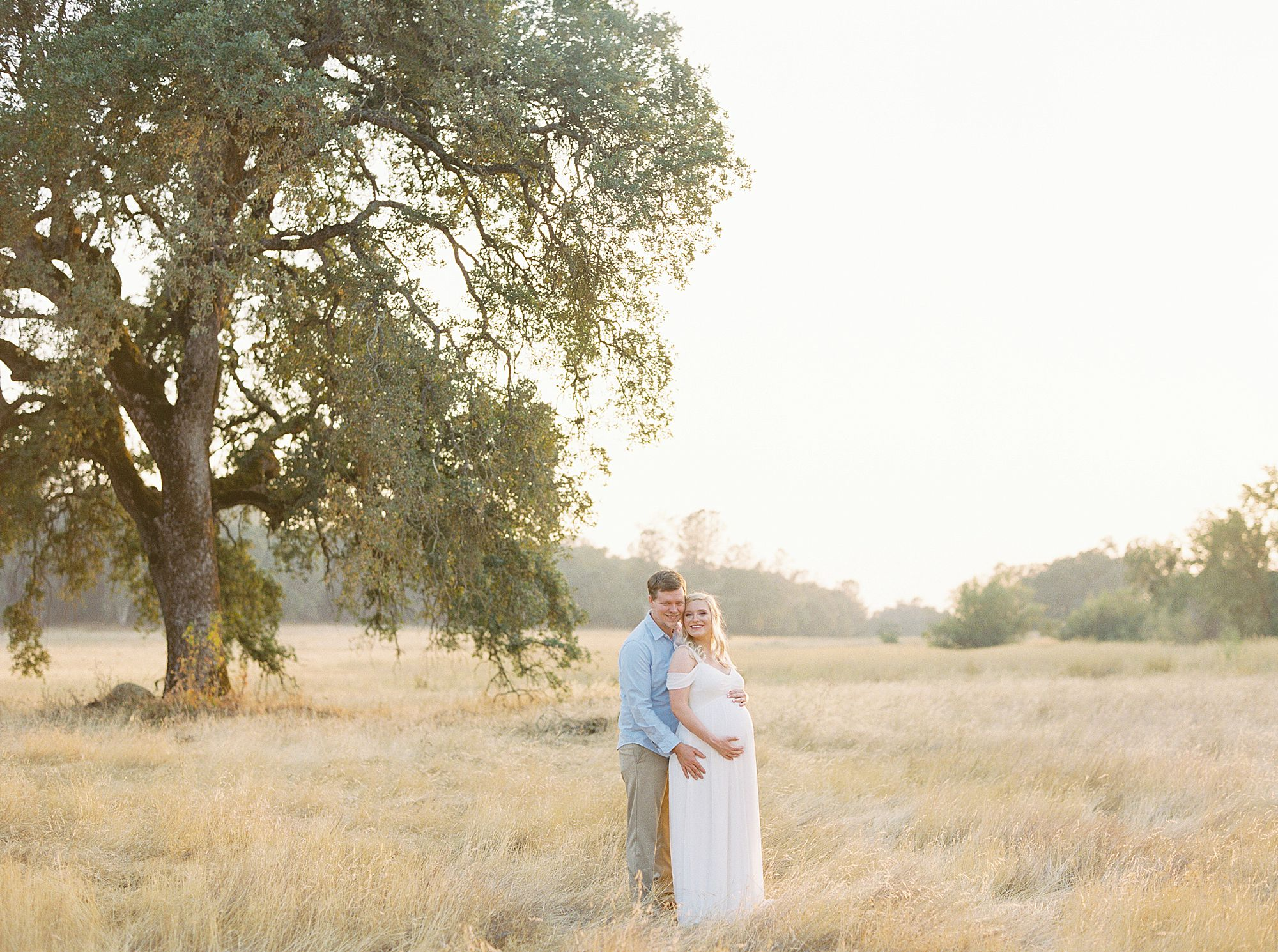 Golden Sacramento Maternity - Hannah and Connor - Ashley Baumgartner - Sacramento Maternity Photographer_0001.jpg