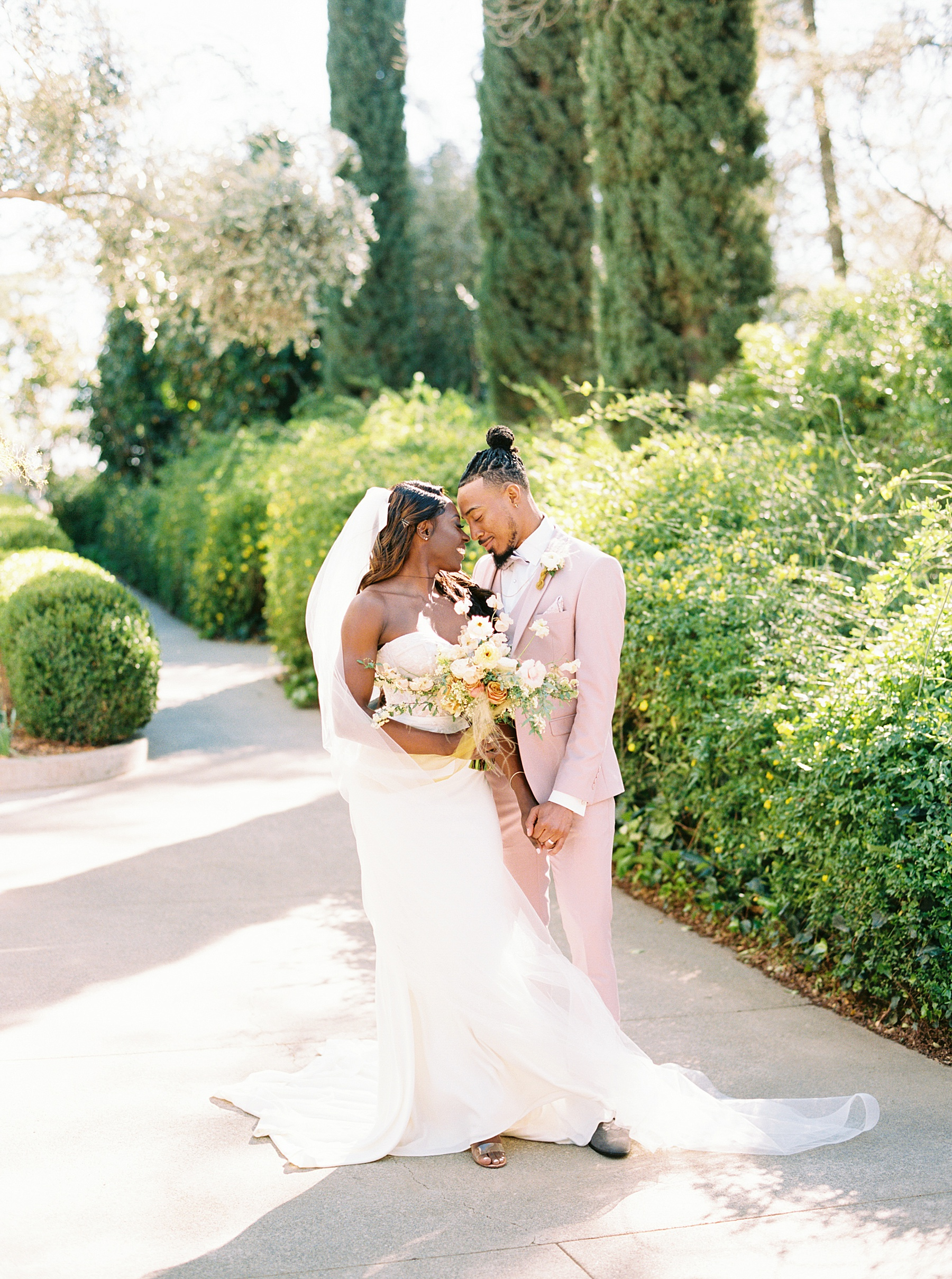 Park Winters Sacramento Wedding Inspiration with Sparkle and Dust Events  - Pantone Color of the Year Featured on Style Me Pretty_0011.jpg