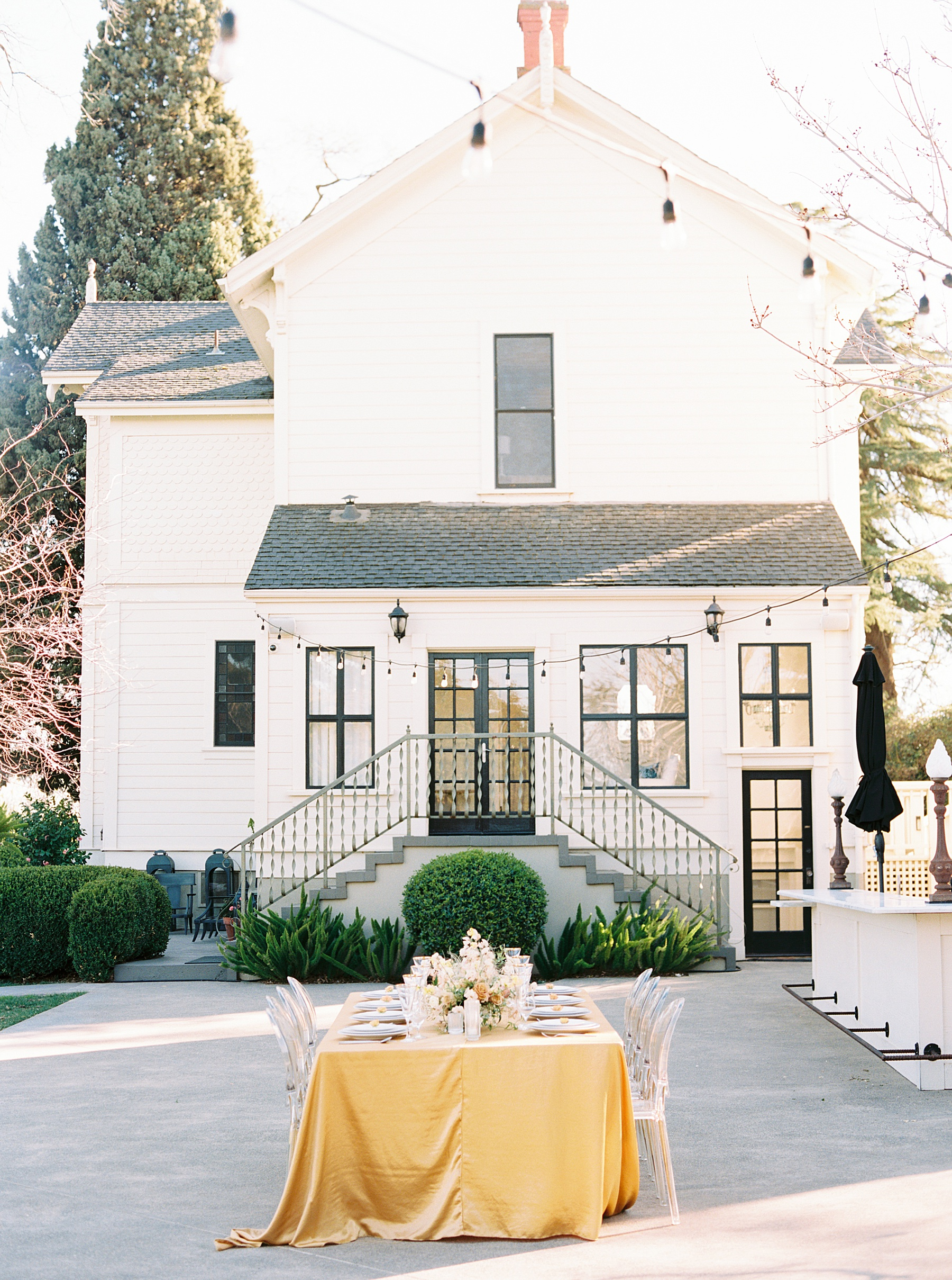 Park Winters Sacramento Wedding Inspiration with Sparkle and Dust Events  - Pantone Color of the Year Featured on Style Me Pretty_0021.jpg