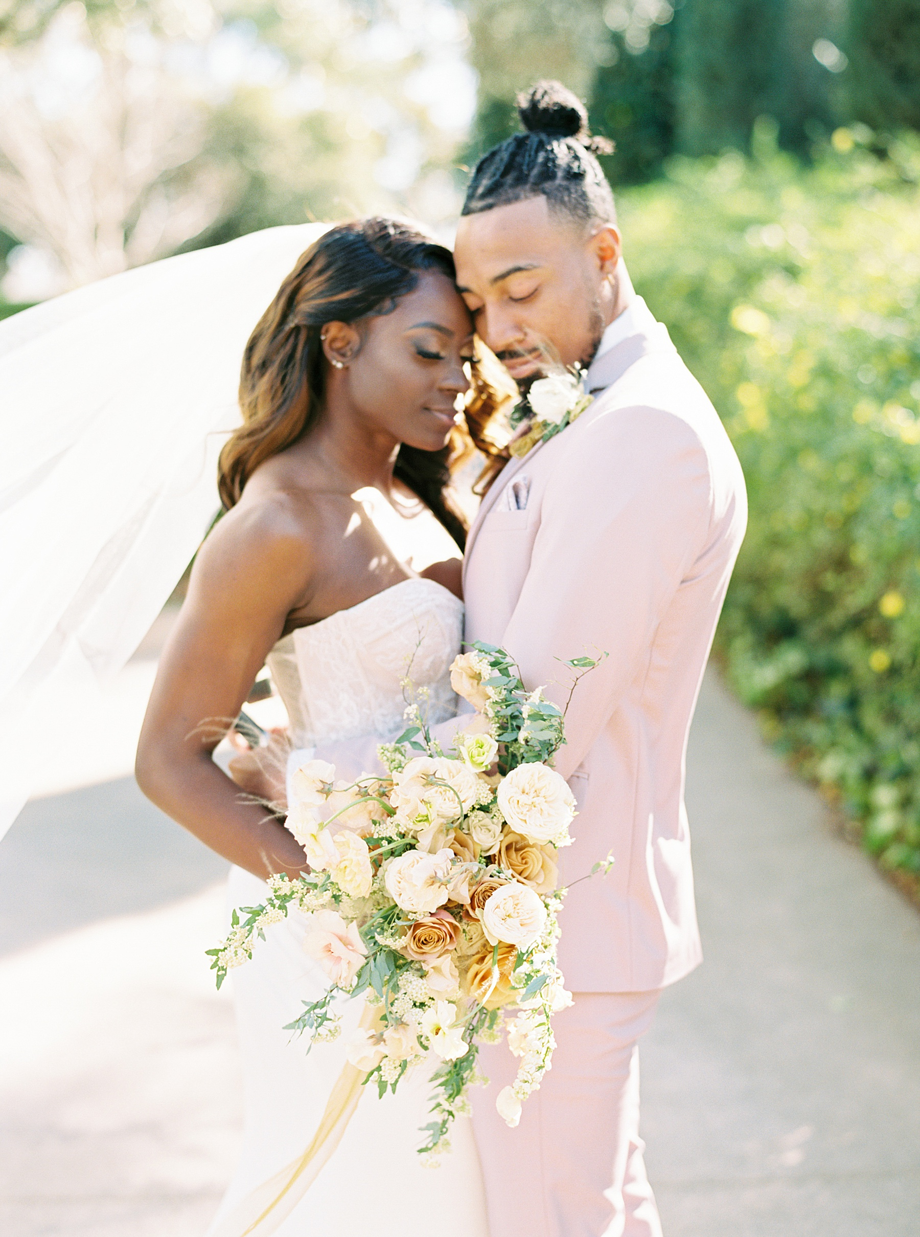 Park Winters Sacramento Wedding Inspiration with Sparkle and Dust Events  - Pantone Color of the Year Featured on Style Me Pretty_0025.jpg