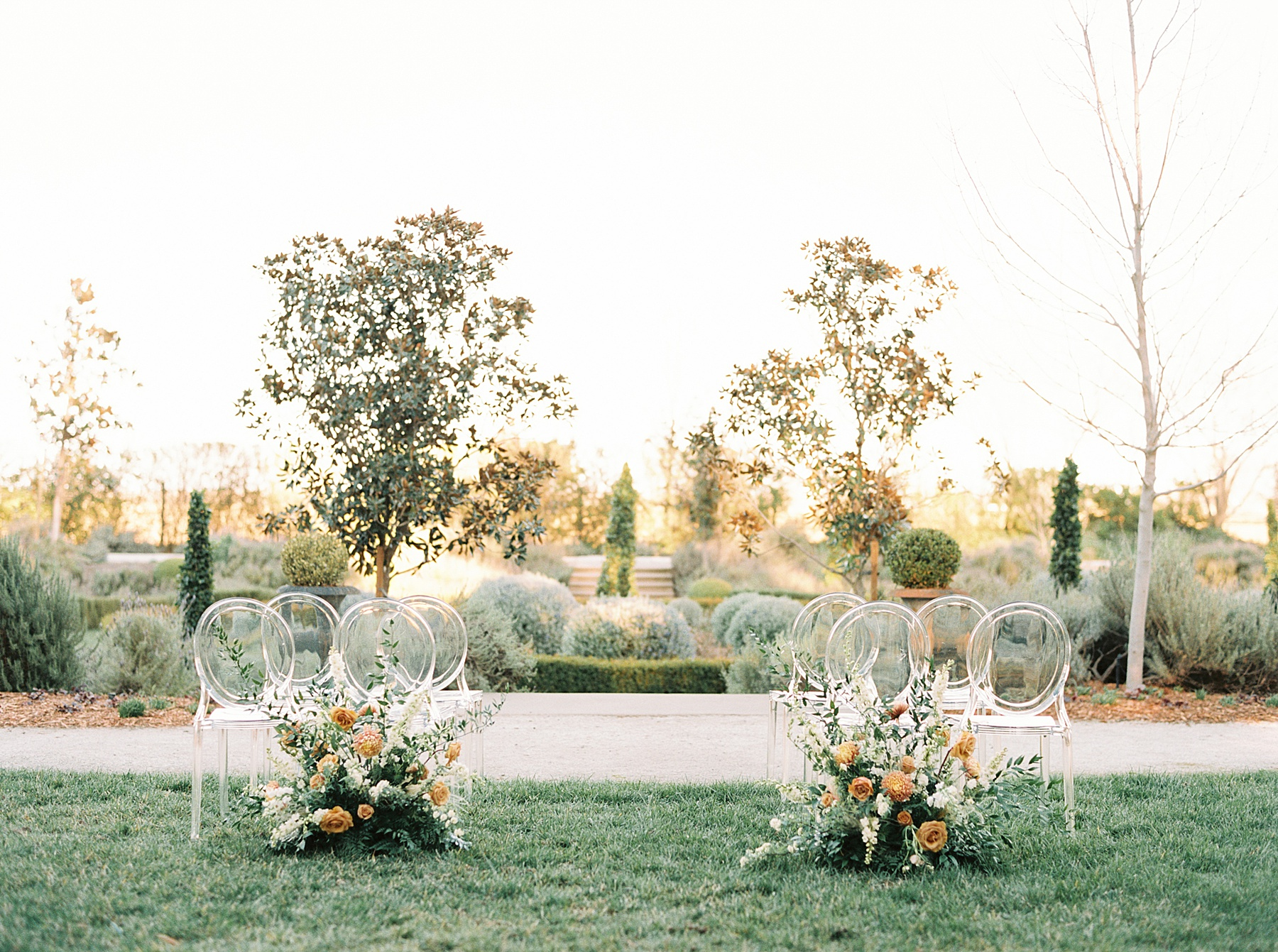 Park Winters Sacramento Wedding Inspiration with Sparkle and Dust Events  - Pantone Color of the Year Featured on Style Me Pretty_0033.jpg