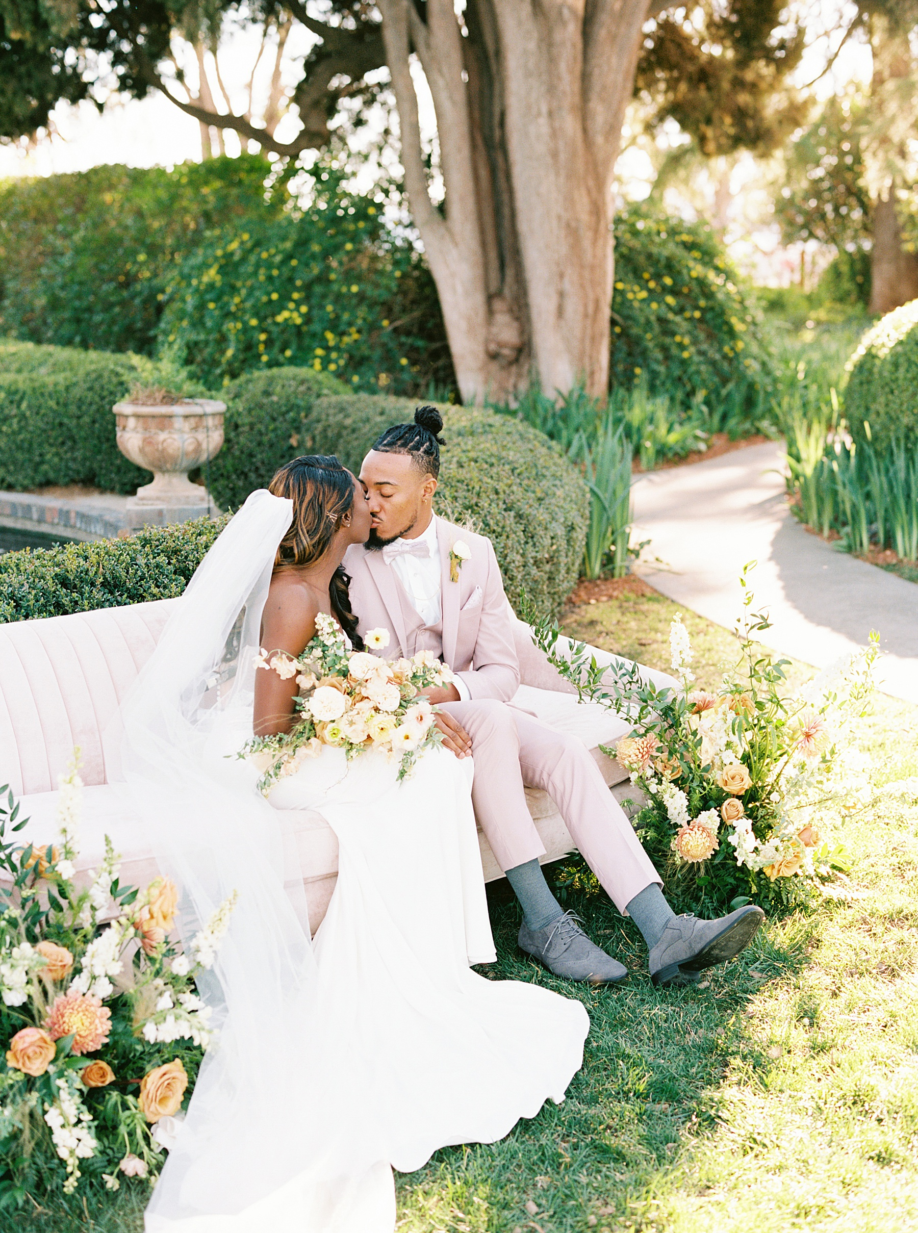 Park Winters Sacramento Wedding Inspiration with Sparkle and Dust Events  - Pantone Color of the Year Featured on Style Me Pretty_0049.jpg